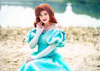 Prinses Ariel op het strand